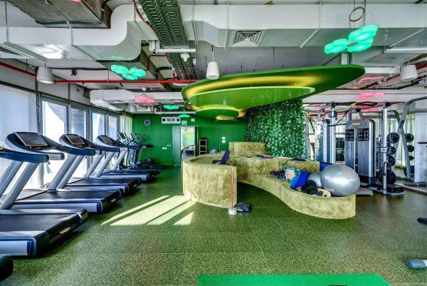 Quầy lễ tân phòng gym màu sắc thiết kế tinh tế, hợp phong thủy