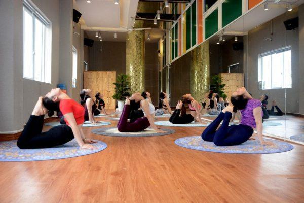 cac-buoc-thuc-hien-tu-a-den-z-de-mo-phong-tap-yoga