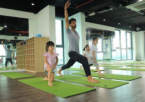 chi-phi-mo-phong-tap-yoga