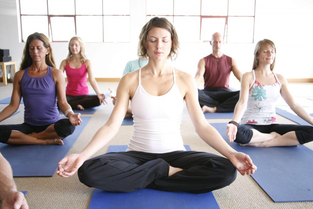 hoc-yoga-bao-nhieu-tien