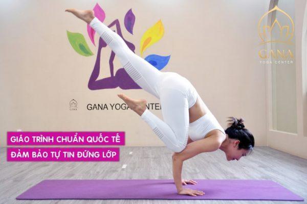 phong-tap-yoga-tai-gana-yoga-center