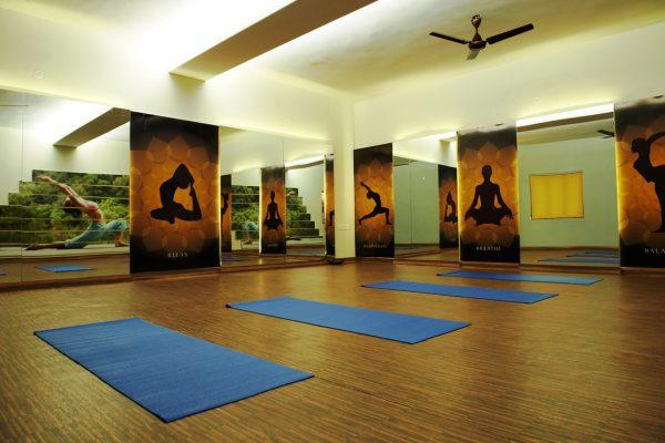 quy-trinh-setup-phong-yoga-bai-ban