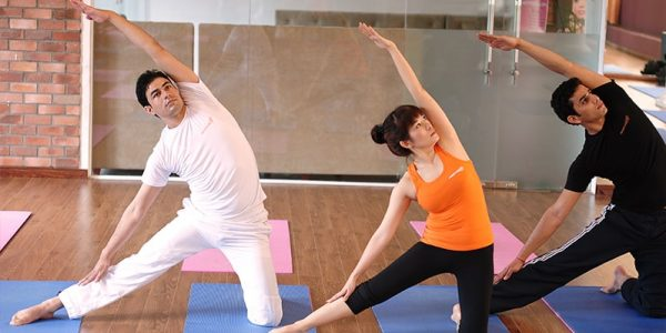 review-phong-tap-yoga-ha-noi-chat-luong