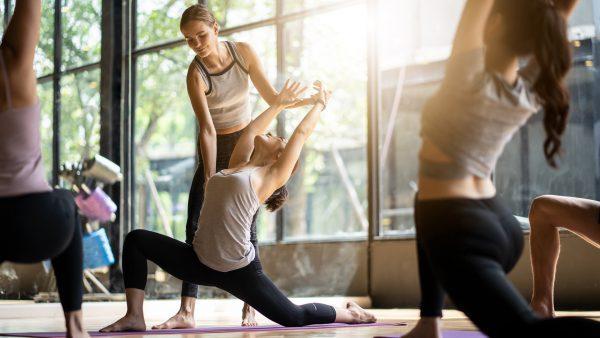 voi-phong-tap-yoga-yeu-to-con-nguoi-la-vo-cung-quan-trong